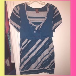 So sik striped gray and teal top